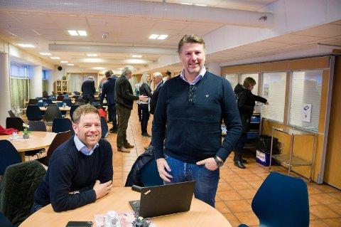 KUNNE GLISE: Geir Thorstensen (t.v.) og Lars Inge Graver fikk det som de ville i formannskapet. Nå gleder de seg til å gi bånn gass i det videre arbeidet.