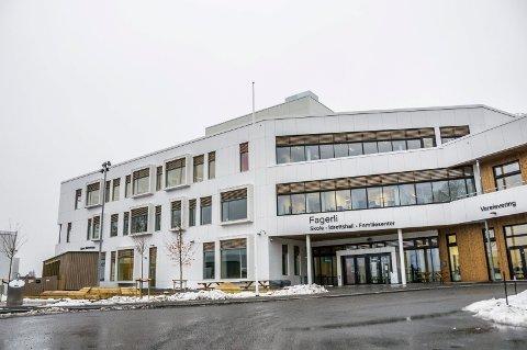 TOMT: Elevene er borte fra Larviks skoler. Det er også helsesykepleierne, som er overført til omsorgstjenesten.