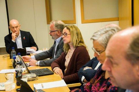 Olav Nordheim (t.v.), Bjarne Steen, Birgitte Gulla Løken, Per Manvik (delvis skjult), Gina M. Johnsen og Olaf Holm. Foto: Lasse Nordheim