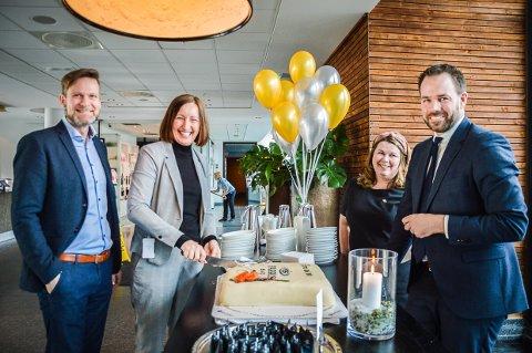 10 ÅRS FEIRING: De inviterer på bløtkake til alle i dag når Farris Bad feirer 10 års jubileum. Fra venstre Magnus Kristiansen, Ane Johansen, Maj-Beth Ytrevik og Philipp Notthoff.