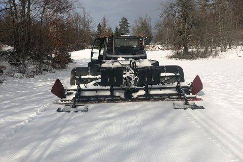 FLOTT FREDAG: Det var nesten perfekte forhold, med tanke på været de siste dagene, da Larvik Ski kjørte opp løypene.