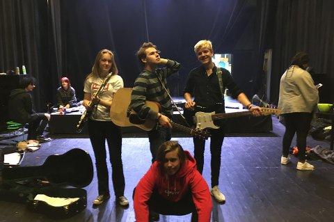 Bandet er nytt som er med i UKM. – Vi har ikke det mest alvorlige innslaget, så vi har lyst til å se hvor langt vi kan komme, sier de.