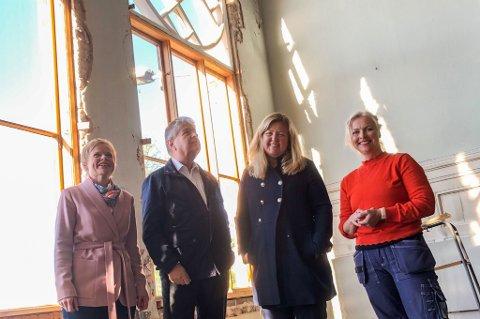 PRAKTBYGG: Magdalena Lindtvedt (t.v.), Kåre Pettersen, Kari-Lise Rørvik og Hilde Viker Berntsen har en ny idé for Festiviteten.