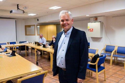 LAR SEG IKKE KNEKKE: Erik A. Sørensen øyner fortsatt muligheten til å gjøre et meget godt valg, den siste målingen til tross. Bildet er tatt i forkant av onsdagens formannskapsmøte.