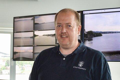 ANSVAR: Sjøtrafikksentralen (VTS) i Bamble gjorde flere forsøk på å kommunisere med skipet før det gikk på grunn. Per Einar Johnsen husker hendelsen godt, selv om han ikke var på jobb da det skjedde. Året etter hendelsen overtok han lederansvaret på VTS i Brevik.