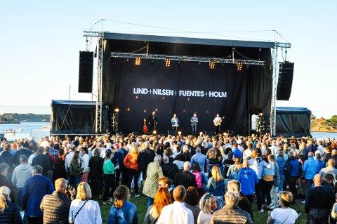 GOD STEMNING: Lind, Nilsen, Fuentes og Holm lagde god stemning ved Fredriksvern Verft i Stavern