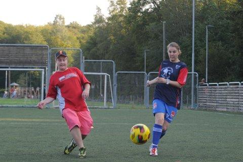 FINSIKTER: Charlotte Iversen Malerød (t.v.) og Linn Cecilie Haakonsen ser frem til helgens landsturnering.