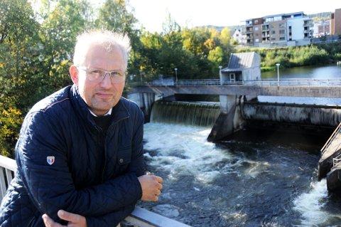 NYTT VARSEL: Fylkesordfører Terje Riis-Johansen bekrefter at fylkeskommunen har mottatt et nytt varsel mot en av sine toppledere.