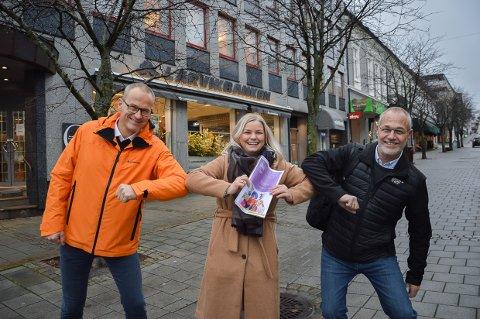 SPLEISELAG: – Feiringen av Larviks 350-års jubileum blir resultatet av et spleiselag, sier Camilla Svendsen (i midten), sammen med Jan Erling Kvisvik og Rune Høiseth.