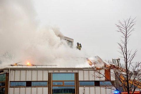 FLERE BRANNER: Mannen er tiltalt for fem branner i Larvik sentrum, i tillegg til bibliotekbrannen.