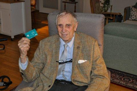 Til sin store fortvilelse har ikke Knut Rimstad for øyeblikket et fungerende bankkort, takket være en glipp hos DNB.
