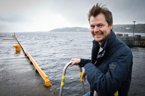 MONSTRE I HAVET: Hans-Jørgen Sandnes er ute med sin egen tegneserie, der vi følger fosterjenta Ophelia og fiskeren Bernard ut på eventyr på havet.