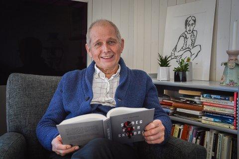 BRUKER EGEN ERFARING: Ola Fadnes var barnevernsjef i Larvik på 1990-tallet, nå har han skrevet en thrillerroman med handling fra barnevernet, og ønsker debatt.
