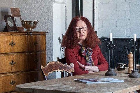 SKEPTISK: Bente Bjerknes får transport når hun skal til kontroller på sykehuset, men denne uken ble hun mildt sagt skeptisk da hun satte seg i drosjen.