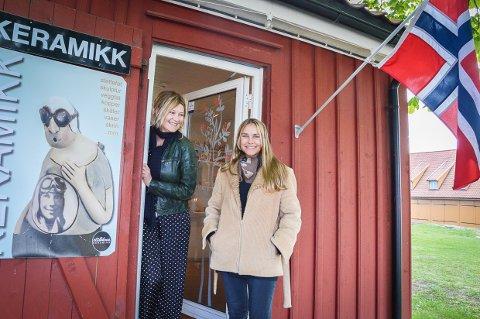 FANT HVERANDRE: Da Lena Dybdahl så etter noen å dele Plankekokeriet med, syntes hun at figurene til Therese Vadem passet så godt til hennes keramikkfigurer. Nå åpner de dørene sammen i pinsen.