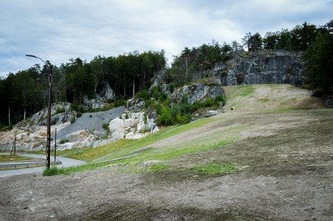 TUNNELEN ER BORTE: Og sør for den gamle Larviksporten skal det sås gress og plantes bøketrær.