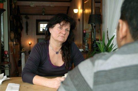 NEKTER Å SENDE VENNEN TILBAKE: Anne-Lise Moen Dahl har ikke gitt opp å kjempe for vennen sin asylsak. Det har gått flere år siden hun begynte, og kampen er ikke slutt ennå.