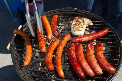 Mange svarer at de er opptatt av at grillmaten skal være norsk. (Foto: Terje Bendiksby, NTB scanpix/ANB)