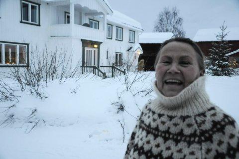 STOLT EIER: Kristin Skrivervik synes hun er heldig som har blitt eier av Snekkargarden på Tolga.