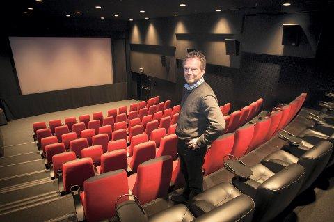 NY FILMFESTIVAL: Festivalsjef Espen Jørgensen er klar med den femte utgaven av filmfestivalen Hamarama på Hamar kino. Jubileet markeres ved at festivalen nå også skal dele ut en egen pris, som seg hør og bør for en ordentlig festival. (Foto: Jo E. Brenden)