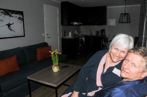 FORNØYDE KJØPERE: Ola Magnus og Marlene Lømo feiret påske i nykjøpt leilighet på Savalen.