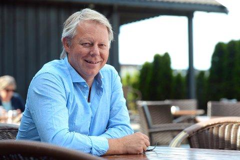 GLEDER SEG: - Vi har fått samlet en fin gjeng til årets festspill, synes Ole Edvard Antonsen.
