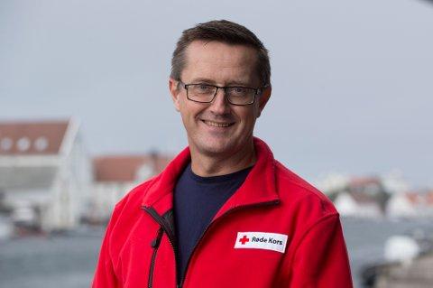 VIKTIG: Ingvar Midthun, daglig leder i Hedmark Røde Kors, sier pantepengene er viktige midler for Røde Kors.