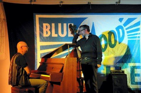 OPPTRER SAMMEN:  Tor Einar Bekken og Richard Gjems står på scenen i Royal Albert Hall søndag kveld.