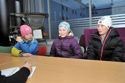 TOK TAK: Søstrene Ingeborg (8), Astrid (10) og Ingrid (12) Låte tok selv kontakt med Østlendingen for å flagge sin bekymring for hoppmiljøet i Elverum. – Vi ønsker oss at flere skal være med, konstaterer jentene.