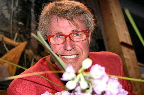 BLOMSTER-FINN: Fredag kommer Finn Schjøll til Alvdal for å ha blomstershow.