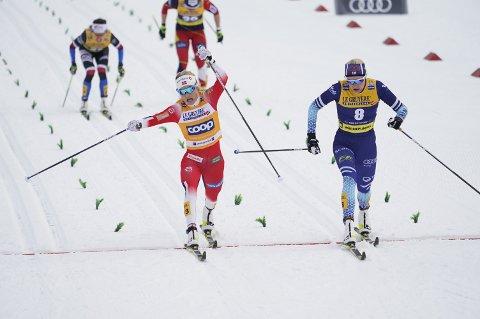 Therese Johaug spurtet inn til fjerdeplass i kvartfinalen og tiden var ikke god nok til å gå videre på sprinten i Oberstdorf.