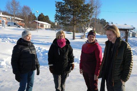GALGENHUMOR: Fra venstre: Aud Johanne Mælen, Tove Dahlen, Gunn Hilde Voll og Sindre Røstum.
