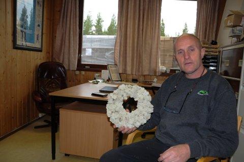 FORTVILET: - Vi har behov 70 -75 utenlandske arbeidstakere som kan pakke mose og binde kranser, sier daglig leder Ola Sverre Moen ved Norske Moseprodukter i Rendalen.