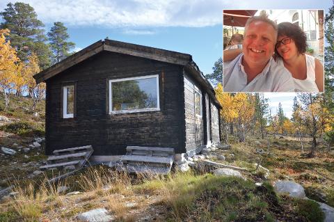Per-Gunnar Frogner og Elisabeth Grette har kjøpt tomten og hytta av den drapsdømte nederlenderen Bart van Urk.