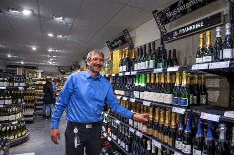 ENDRINGER: Vinminopolet gjør prisjusteringer fra 1. mai og da vil antakelig polsjef Steinar Sjåheim og hans kolleger få mange kunder innom over helga.