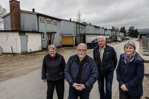 MÅ BEVARES: – Rekka må bevares, sier fra venstre Gunhild Grønvold, Arne Idar Grandahl,  Kjell Siljuberg og Gunhild Ullerud i Våler Historielag.