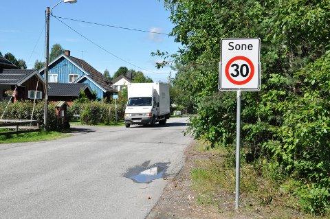 MØTER MOTSTAND: Den planlagte gang- og sykkelstien i Andreas Grøttings veg i Elverum møter sterk motstand fra flere av eiendomsbesitterne i området.