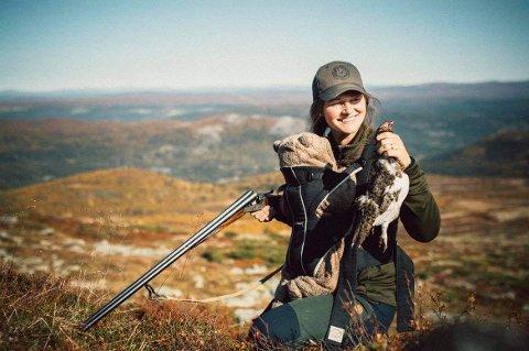 Ønsker å inspirere: Hanne er vant til å ha med små barn på tur og så lenge man tilrettelegger er det ikke noe problem å ta de med på jakt og fiske. Hun og familien ønsker å inspirere andre familier til å bruke den norske naturen.