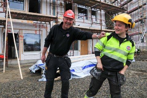 GODE KOLLEGER: Arbeidsleder Lars Rønning er veldig fornøyd med at Byggservice Nord-Østerdal har fått med seg Sara Lindstedt på laget.