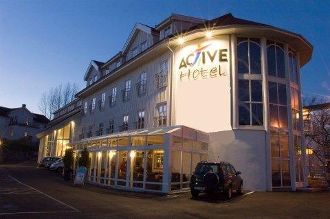 TIL SALGS IGJEN: Hotellet kom for første gang for salg i 2016. Da var prisen 65 millioner kroner. Nå selges den for 35, men det er riktignok kun bygget som selges denne gangen.