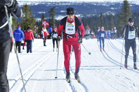 Her er Hans Ole Bergby på lørdagens Birkebeinerrenn. Han gikk for Hauken, i klassen for menn 60-64 år, på tida 03.44.14. Dette er Bergbys beste tid siden hans første Birken i 2008. Nå gjenstår å komme i mål med kreditorene.