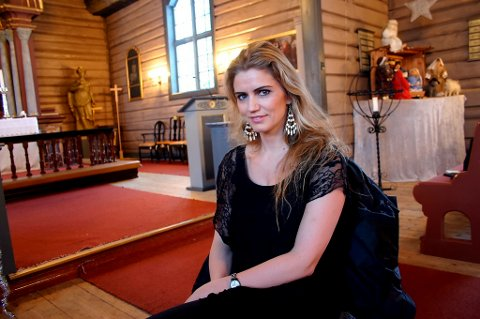 Prest i Vestre Porsgrunn kirke, Synnøve Skree Skjeldal vil ha slutt på sutringen om utseende på den nye kirken.