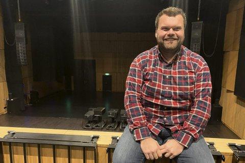 BYTTER BEITE: Teknisk leder i Ælvespeilet, Christian Brekkling, har sagt opp jobben. Han begynner i mars som dataingeniør i avdelingen for kommunalteknikk i Porsgrunn kommune. Han er stolt av det han har vært med på å bygge opp i kommunens storstue for kultur.