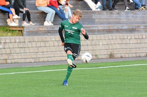 På vinnersporet: Nicolay Hagen scoret da Hei befestet at de er tilbake på vinnersporet og slo Pors II 4-2 mandag.