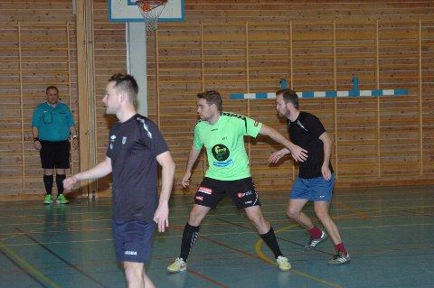 VAR NÆRE: August Byhrø (i grønn trøye) spilte på et godt lag, men de klarte ikke å score i løpet av de 14 minuttene finalekampen varte. Foto: John Byman