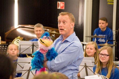 HERLIG GJENSYN: Fredag 1. juni er Haakon Esplo tilbake og besøker bygdas barneskoler.