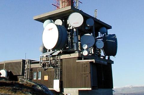 SLutt på FM-båndet: Senderen på Veten  i Hemnes er blant de første senderene i landet som stenger FM-signalet i janaur neste år.