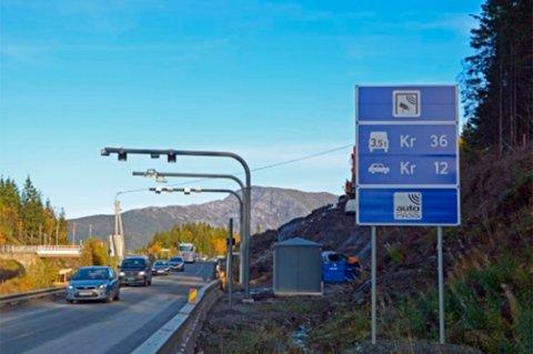 Bomstasjonen ved Yttervik Camping skal flyttes opp på ny E6. Dermed blir det ingen bompengeinnkreving fra 6. til ca. 15. oktober.