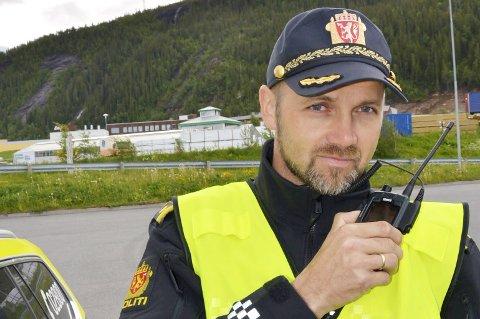 REAGERER: UPs gruppeleder i Helgeland og Salten, Jon Inge Kvalbukt, ber folk tenke seg om hva de egentlig bidrar med når de varsler politiets trafikkontroller. Foto: Viktor Leeds Høgseth