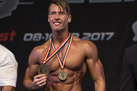 VANT: Jakob Nikolaisen Dreyer viste styrke i fitnesskonkurranse i Romania.